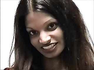 ਪ੍ਰੇਮਿਕਾ ਦੇ ਸਾਹਮਣੇ ਨੀਲੇ ਹਿੰਦੀ ਫਿਲਮ mein sexy ਕੁੱਤੀ
