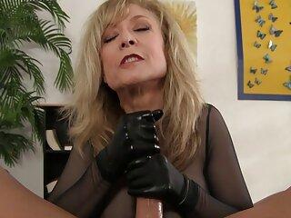 ਉਸ ਨੂੰ ਕੱਪੜੇ ਸੁੰਦਰਤਾ pornstars ਅਤੇ sexy ਹਿੰਦੀ ਵੀਡੀਓ mein ਧੁੰਦ ' ਤੇ ਉਸ ਦੇ ਢਿੱਡ