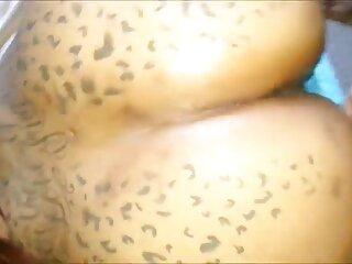 ਵਿਦਿਆਰਥੀ ਨਾਲ ਟੈਟੂ ਹਿੰਦੀ ਵਿਚ mein sexy HD ਵੀਡੀਓ ਵੱਡੇ ਖੋਤੇ mein ਇੱਕ ਸੋਫਾ,